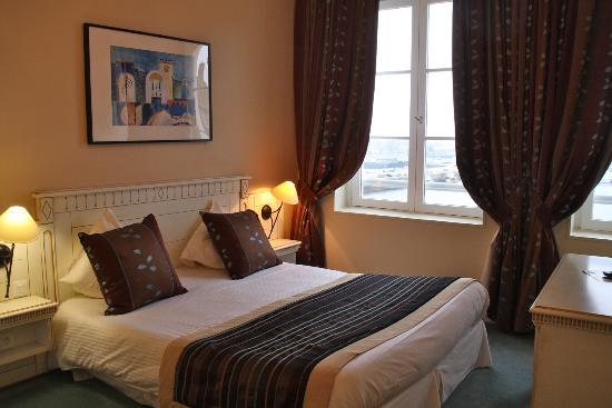 best western le cheval blanc hotel honfleur france voir les tarifs et 379 avis. Black Bedroom Furniture Sets. Home Design Ideas
