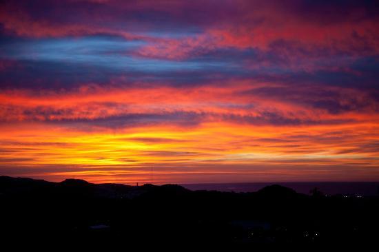 Hotel Villa Guadalupe: Sunrise over Malaga