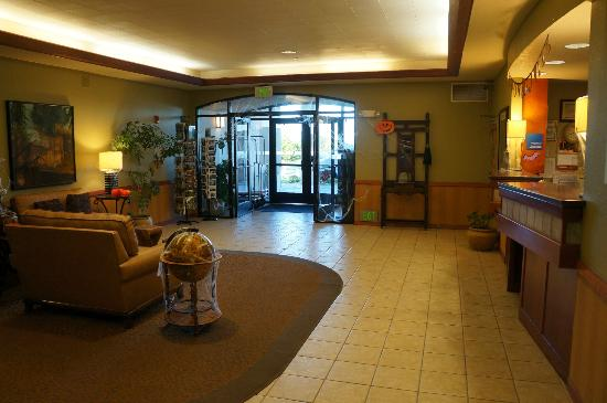 Arcata/Eureka Holiday Inn Express: Entrance