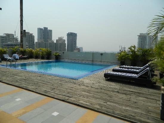 Grand Sarovar Premiere Mumbai: Pool Area