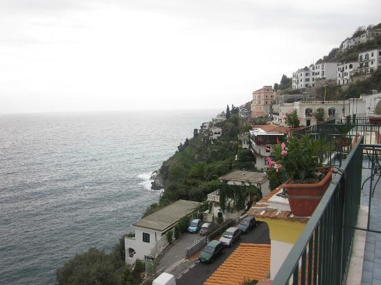 Hotel Il Nido: dal balcone...