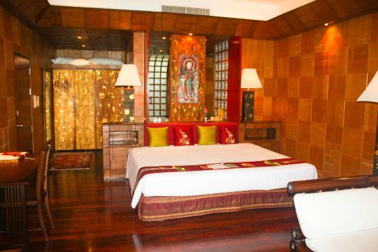 Mom Tri's Villa Royale: Bedroom