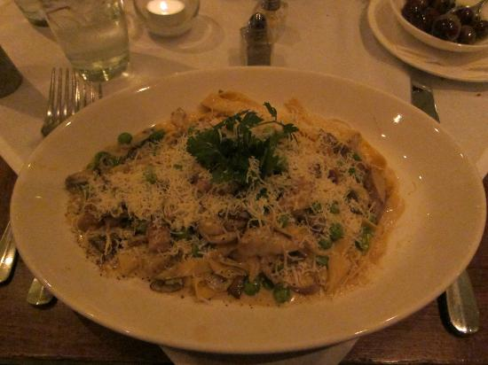 Basso56 : Homemade fettuccine with mixed mushrooms and green peas in a light cream sauce