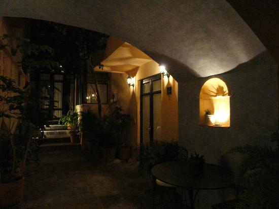 Villa Mirasol Hotel : Room entrance