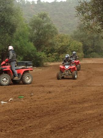 Quinta Quads: Richard coaches us on how to drive the bikes!