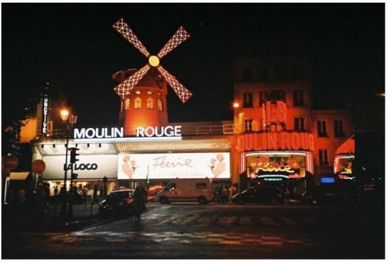 Paris Authentic: Moulin Rouge