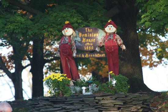 Blooming Grove, NY: B&B Sign