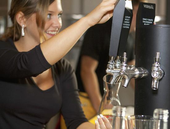JaJa La Pizz : Procédé Versay, du vin en fût de qualité supérieur, toujours servi à la bonne température
