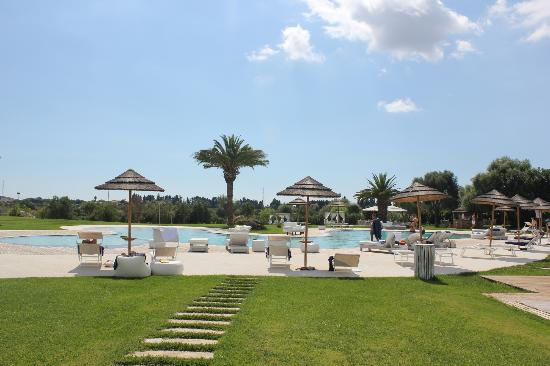 Hotel Borgo Pantano: pool & lunch area