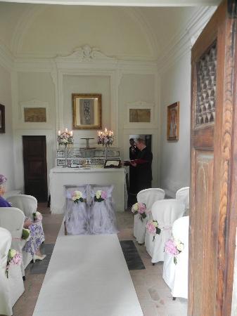Villa  Vistarenni: chapel