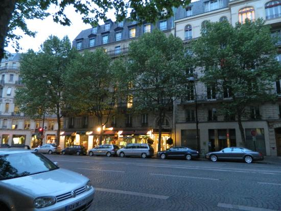 Hotel Waldorf Madeleine: Hotel y alrededores