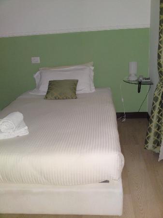 Garni Hotello: letto