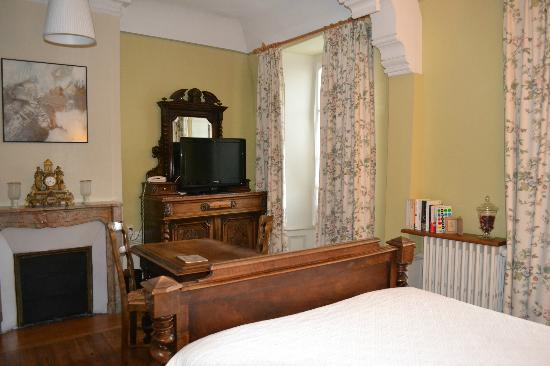 Hotel Diderot: Our beautiful bedroom