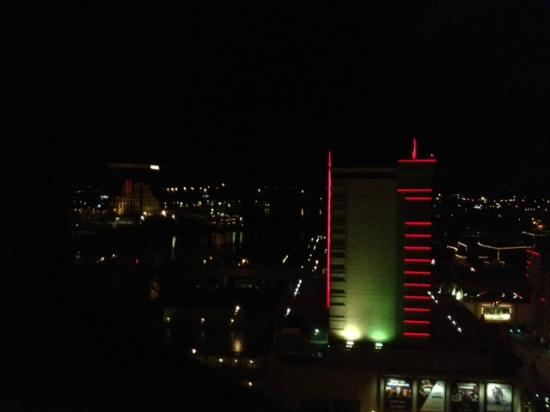 Sam's Town Hotel and Casino Shreveport: View at night from the room