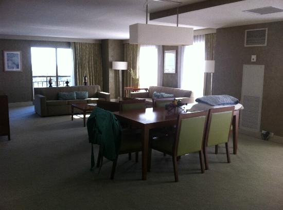 Westin Tampa Harbour Island: Corner suite
