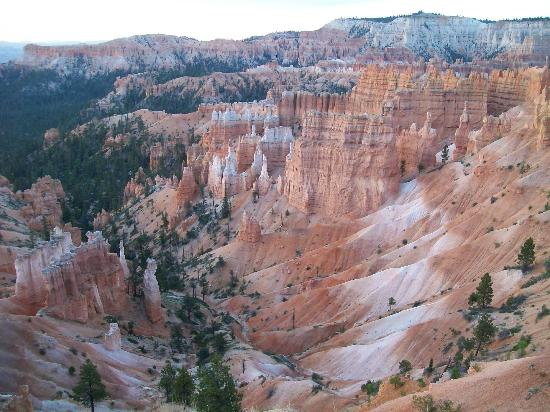 Bryce Canyon Lodge: View from Rim Trail, near the cabins