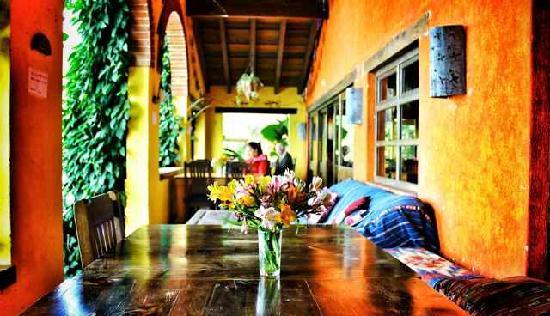 La Iguana Perdida Hotel: Our restaurant terrace overlooking the lake