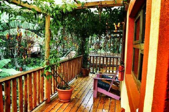 La Iguana Perdida Hotel: The balcony of our hotel style rooms