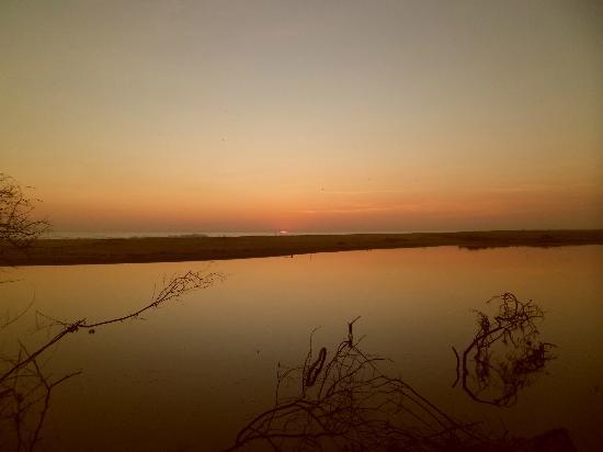 Laguna Ventanilla : coucher de soleil retour a cheval guidées par la lune
