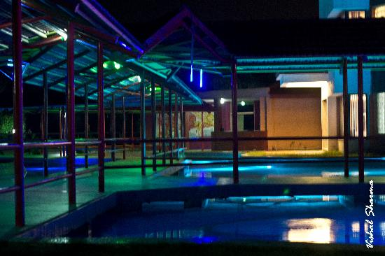 The Crescent Resort & Club : Night view