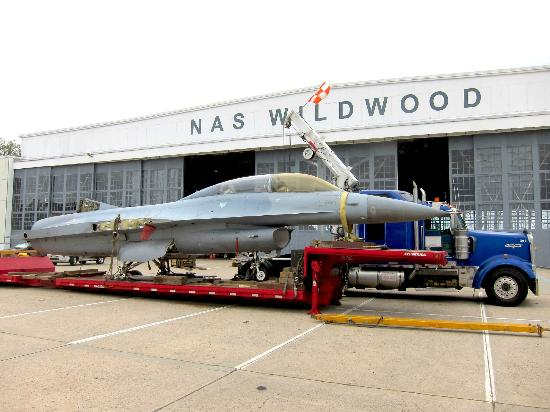 Naval Air Station Wildwood Aviation Museum: F-16 being delivered