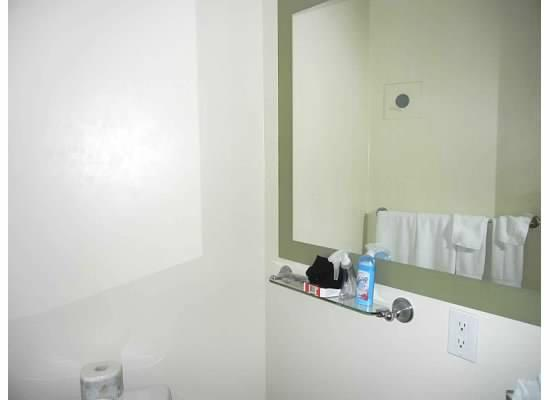 One King West Hotel & Residence: Bathroom