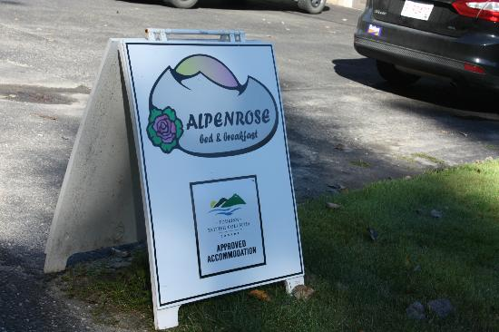 Alpenrose Bed and Breakfast: Sign at the street to let you know you have arrived
