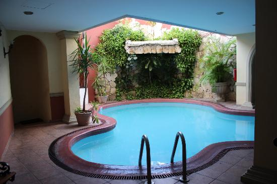 Hotel Colonial: Pool area