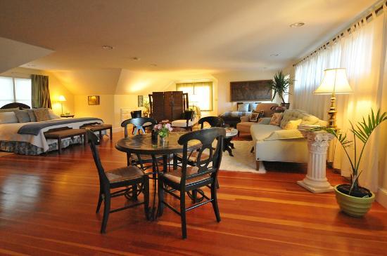 Escobar's Farmhouse Inn: Katherine suite