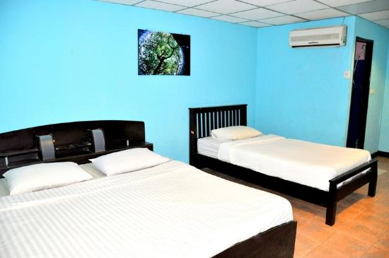 Flashpackers Hotel: Triple room