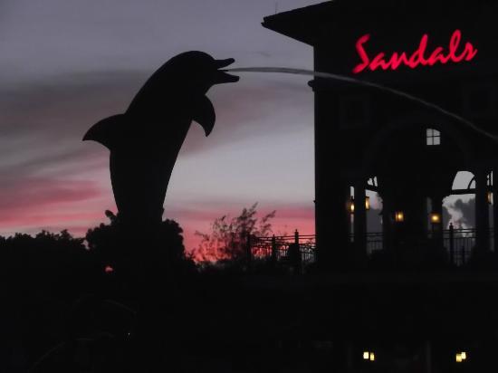 Sandals Grande Antigua Resort & Spa: pool bar