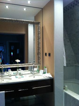 Hotel Casa Fuster: Bathroom