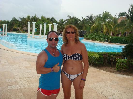 Grand Palladium Colonial Resort & Spa: Por la fabulosa piscina