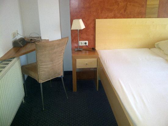 Parkhotel zur Klause: Mini-Schreibtisch