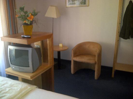 Parkhotel zur Klause: TV direkt am Bett