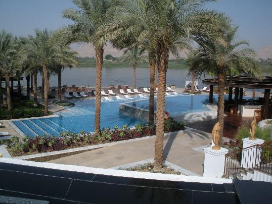 Hilton Luxor Resort & Spa : Relaxing Pool Area