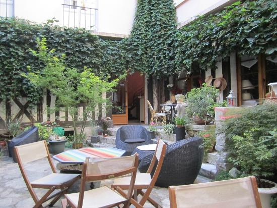 Hotel de la Cathedrale: Courtyard
