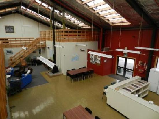 Haast Lodge Budget Rooms & Motor Park: Communal Kitchen