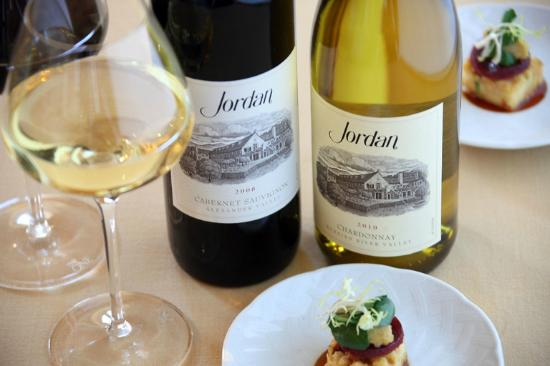 ‪‪Jordan Vineyard & Winery‬: Jordan Cabernet Sauvignon and Chardonnay with chef's pairings‬