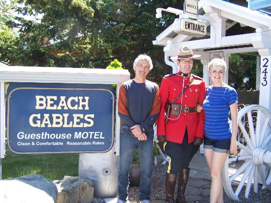 Beach Gables Guesthouse Motel : All visitors are welcome!