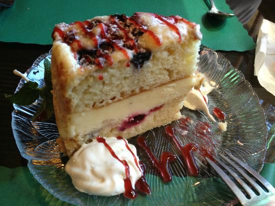 Manzanita Restaurant: Lemon Berry Marscarpone Cake