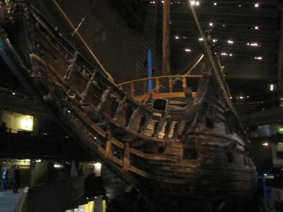 Why did the vasa capsize