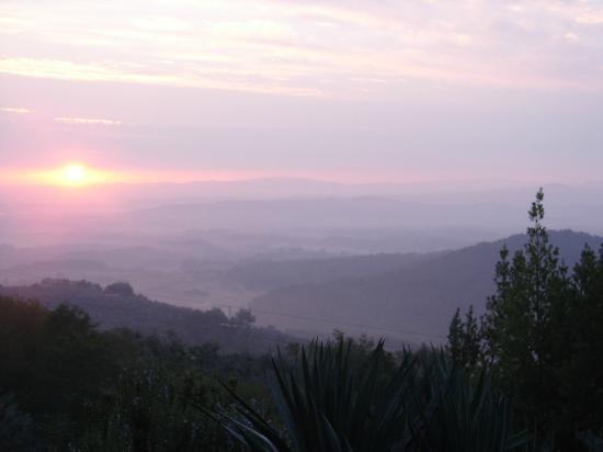 Ventena Vecchia - Antico Frantoio: Sunrise from our Patio