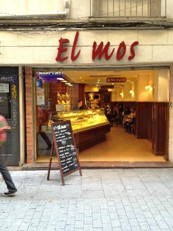 Hotel Denit Barcelona: El Mos for great value coffee and pastries just at the bottom of the street to the right.