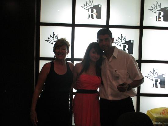Reymar Hotel : my daughter and 2 of reception staff
