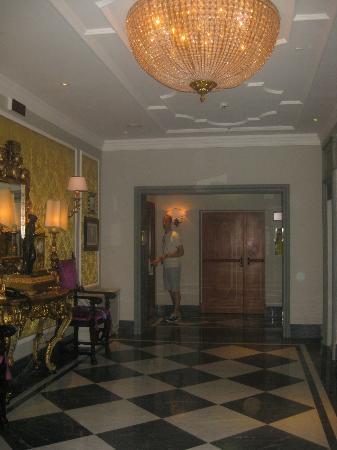 The St. Regis Florence: Hallway