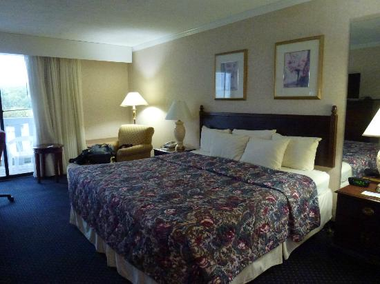 Fairfield Inn & Suites Cape Cod Hyannis: Nicely decorated