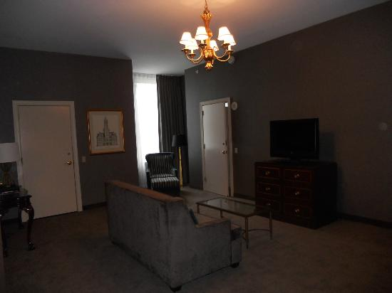 Renaissance Pittsburgh Hotel: Suite Living Room