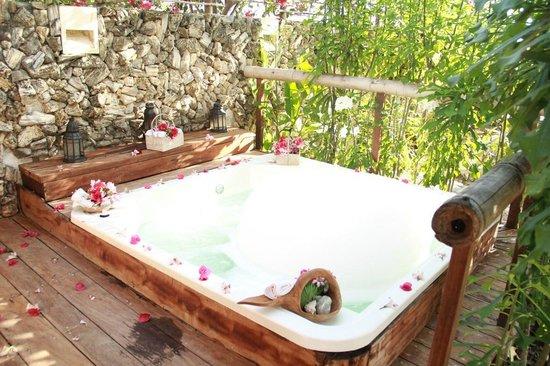 Karmairi Hotel Spa : Jacuzzi - Spa