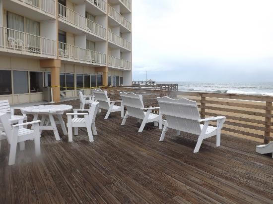 Comfort Inn South Oceanfront: Sundeck